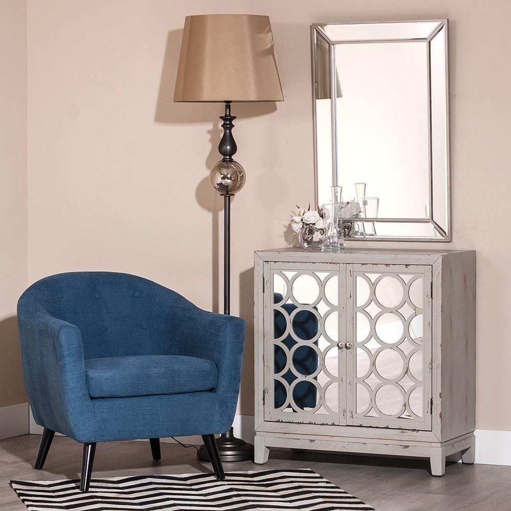 Mueble auxiliar blanco rozado puertas caladas espejo for Mueble 2 puertas blanco